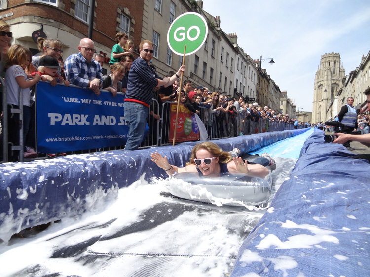 5-luke-jerram-transforms-bristols-park-street-into-a-giant-95-meters-water-slide