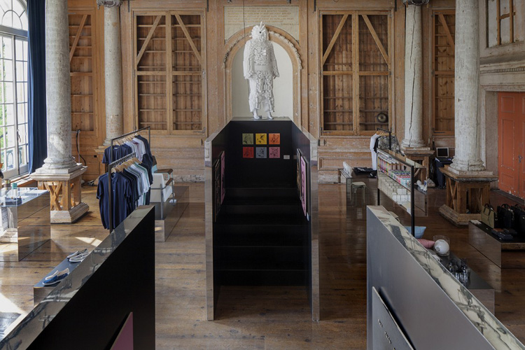 7-frame-pop-up-store-in-amsterdam-by-i29