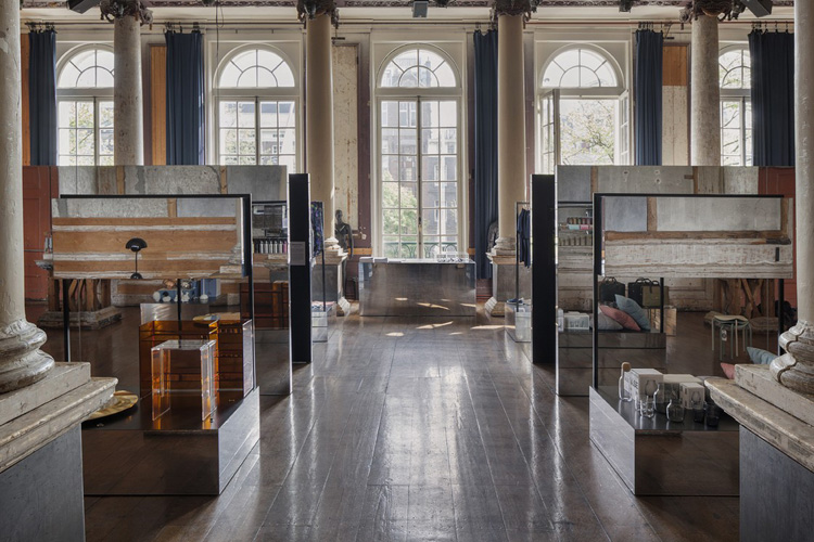 9-frame-pop-up-store-in-amsterdam-by-i29